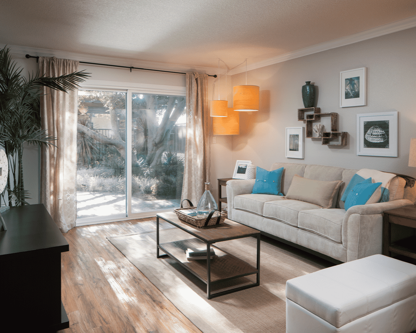 Dual pane windows & airy natural light